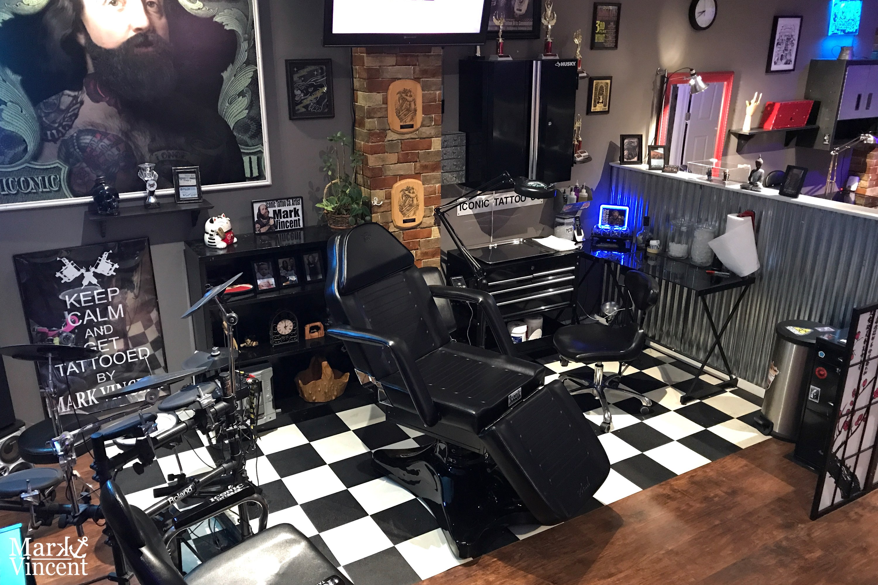 100 tattoo shop interior design ideas old sarum for Tattoo shop design
